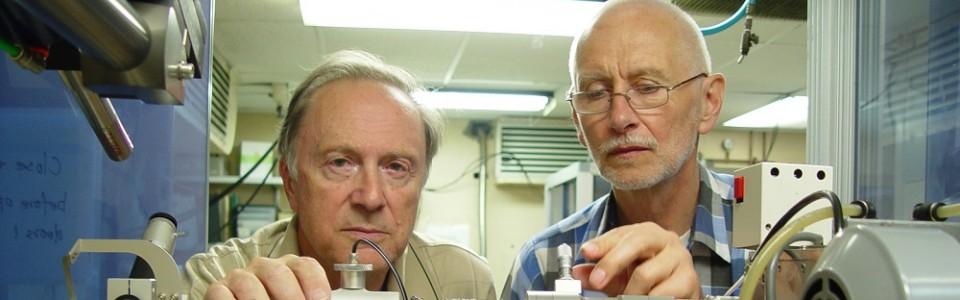 Dr Alexander Wlodawer_Prof. Mariusz Jaskolski_slider